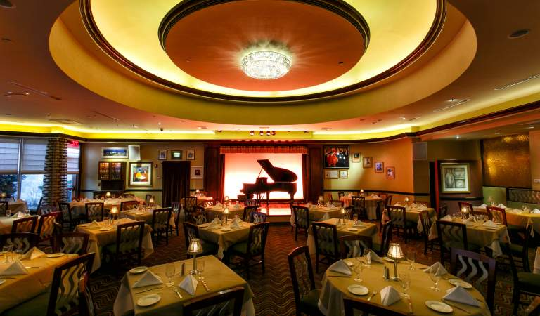 Lorenzo's Restaurant, Bar & Cabaret