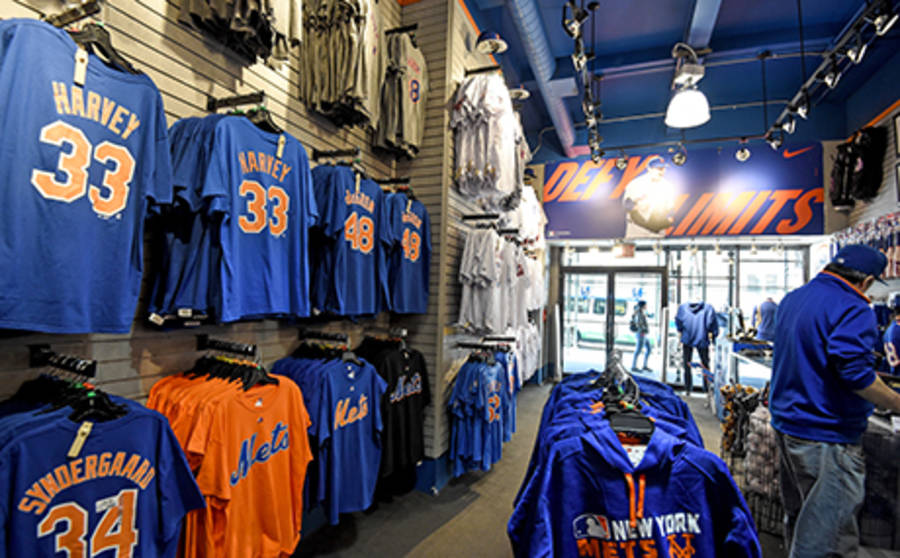 Nba Nhl Mlb And Mls Merchandise And Memorabilia In Nyc Sports