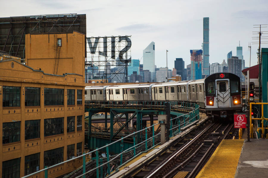 7 train, subway, queens, above ground subway