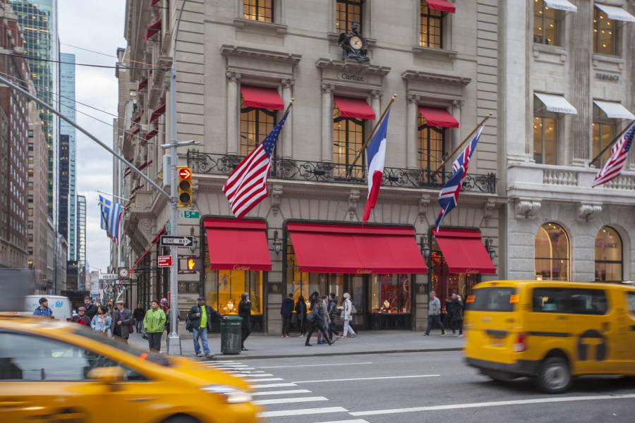 Qualität und Quantität zugesichert großes Sortiment New York New York Luxury Shopping – Chanel, Prada, Saint Laurent and More