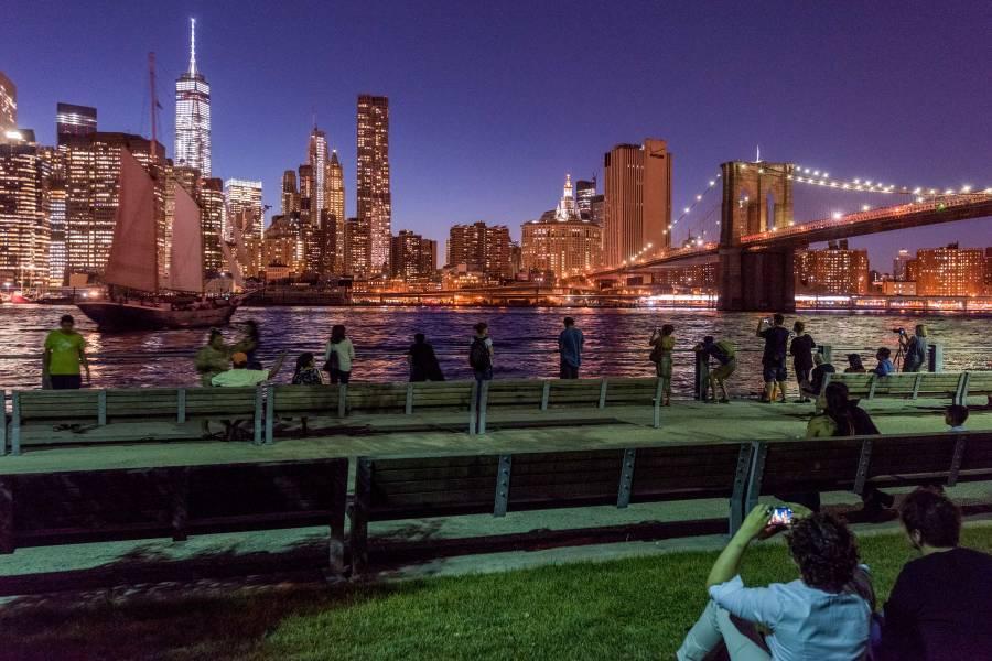 brooklyn bridge park, skyline, night