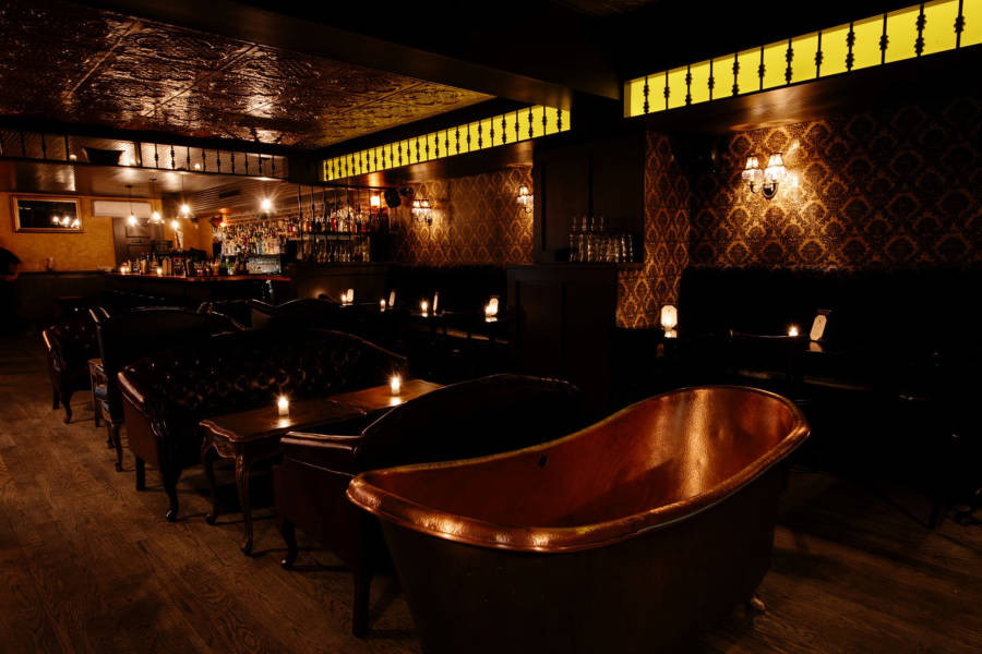 bathtub gin, interior