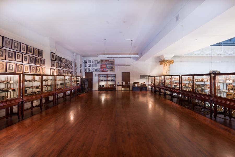 NYC Magic – Magic Shows, Performances, Sights, Houdini Museum