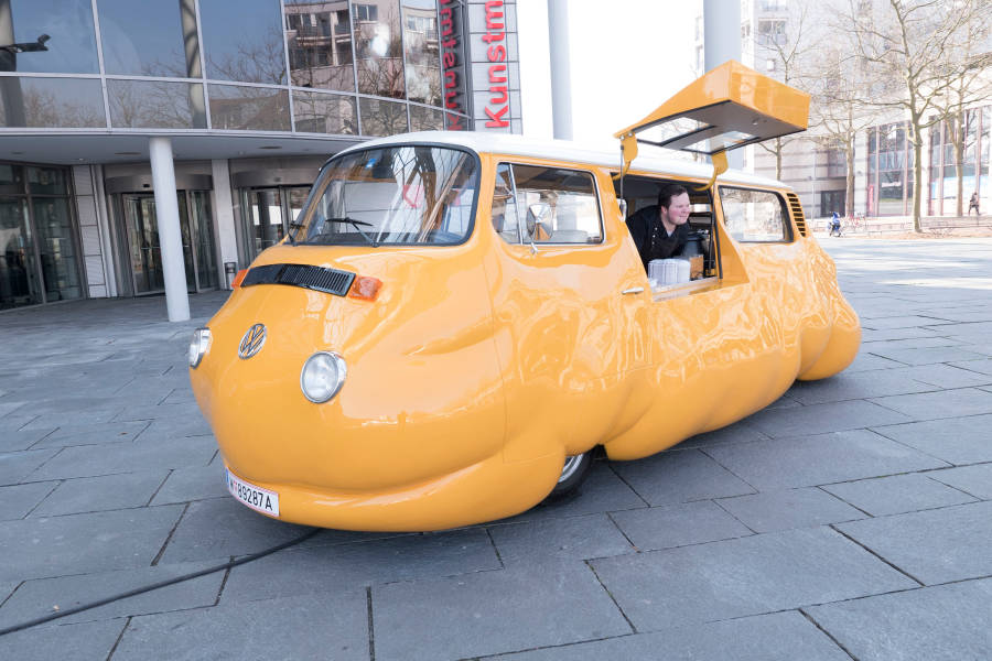 Hot dog bus, erwin wurm