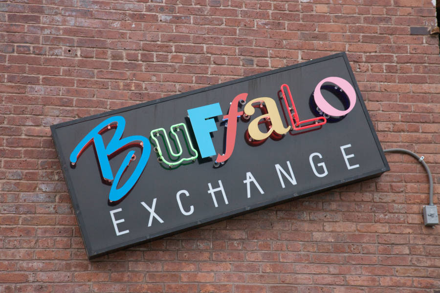Buffalo Exchange, exterior