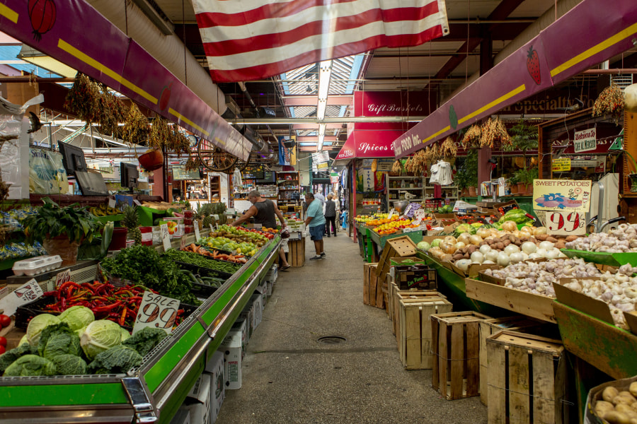 Belmont, Bronx, Arthur Ave, Brittany Petronella, NYC, Neighborhoods in NYC, Italian Food, Arthur Avenue Retail Market