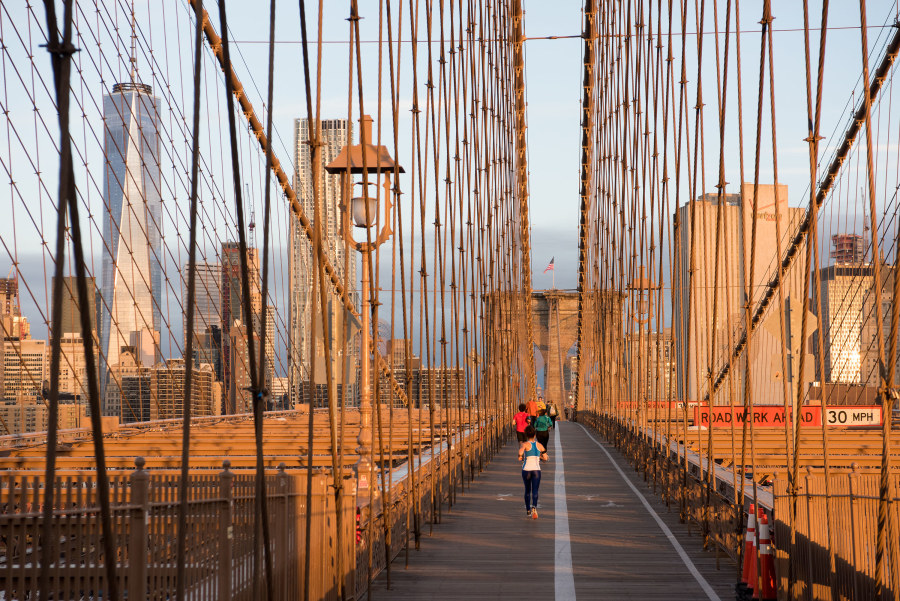 Brooklyn Bridge, walking the brooklyn bridge, brooklyn bridge pedestrian walkway