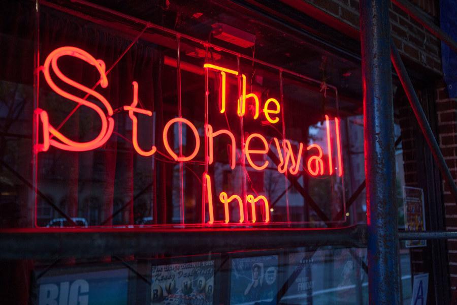 Stonewall, exterior