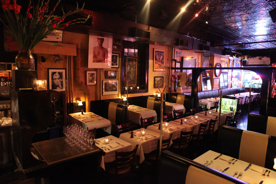 Raoul's, interior