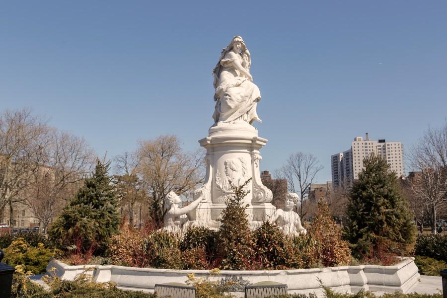 joyce kilmer park, lorelei fountain