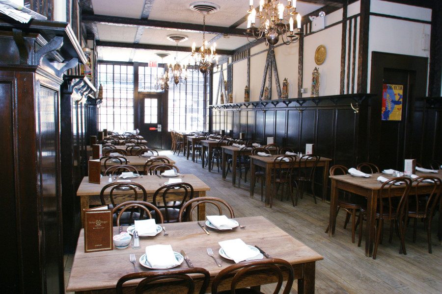 peter luger, dining room, interior