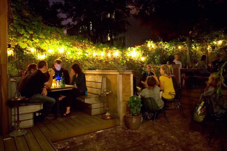 huckleberry bar, backyard