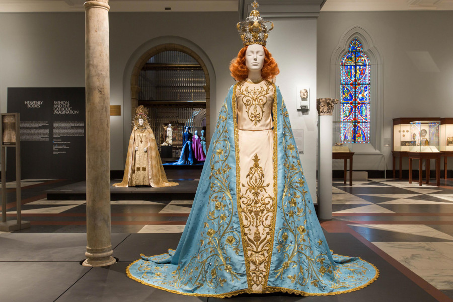 Heavenly Bodies Show, Upper East Side, Heavenly Bodies Medieval Clothing, Fashion